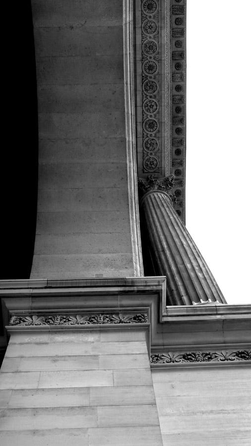 Musee Louve Entrance